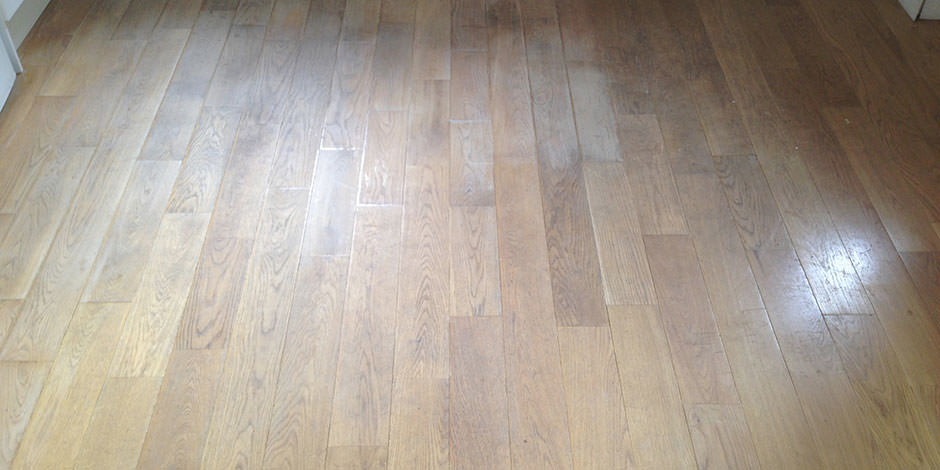 Before-LOUNGE OILED OAK FLOOR IN FINCHLEY