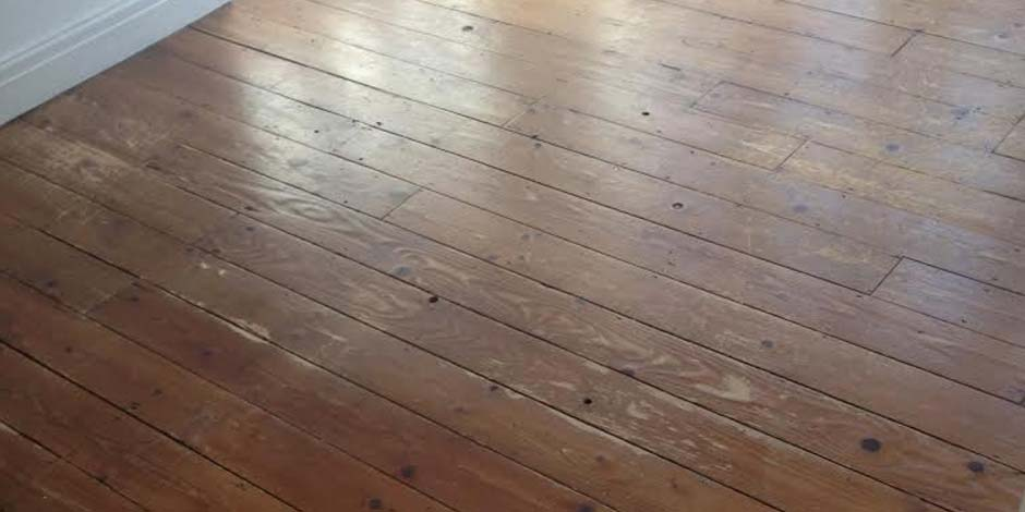 Before-KITCHEN/DINING STAINED PINE FLOOR IN BARNET